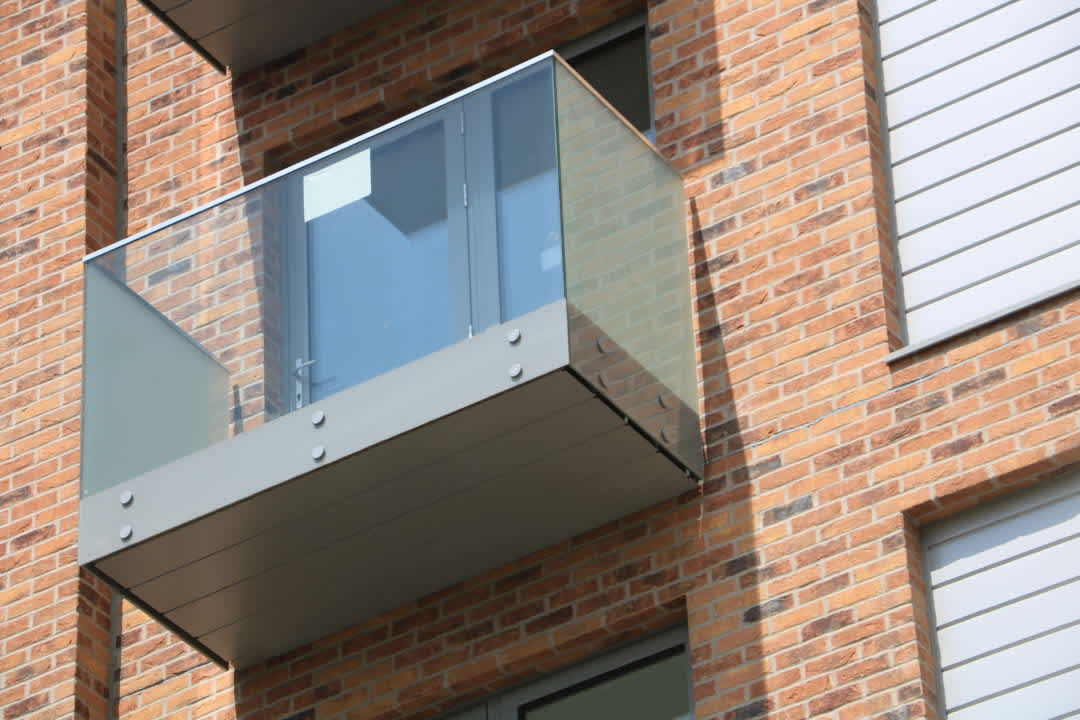 Starring Role for Sapphire's Glide-On balconies in Elstree